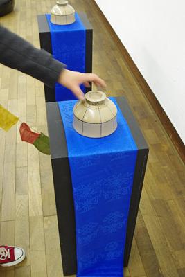 2011年京都芸大作品展・漆芸科部門に展示された、モンゴル系中国人留学生Sさんによるモンゴルの「ゲル(蒙古包・バオ)」を模った漆作品