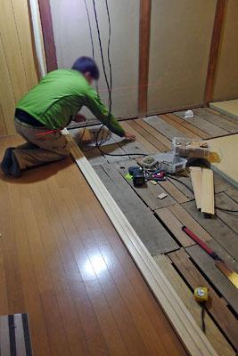 手工「町家の敷居交換,古家修理,建具調整,床下修繕,補強,真如堂の紅葉,檜の敷居」