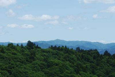 山会「京都北山廃村八丁行,佐々里峠分岐南から見えた比良最高峰・武奈ヶ岳」