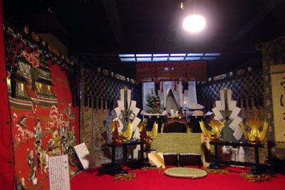 逍遥雑記「祇園祭,宵山,太子山会所に飾られた飛龍等の懸装品」