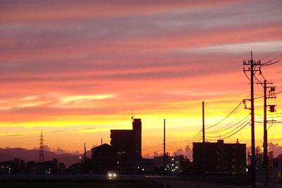 地元の親類も特別の美麗さという、福井平野の夕焼け