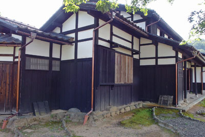 福井県東部・旧大野城下の公開武家屋敷「内山家」の、主屋外観の一部