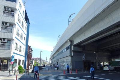 紀行「淀と巨椋池干拓地を巡る,高架化した京阪淀駅」