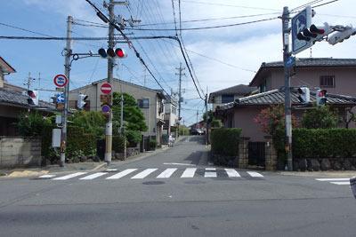 京都市街南部・淀の府道15号線の「大橋辺」からみた旧木津川・淀大橋の城下側袂跡