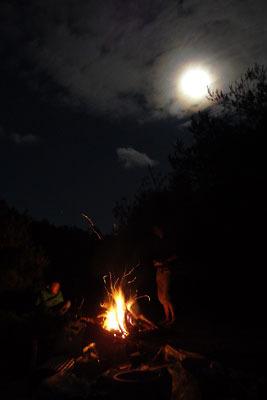 山会「野営会,キャンプ,焚火,キャンプファイヤー,飯盒炊爨,月夜の焚火」