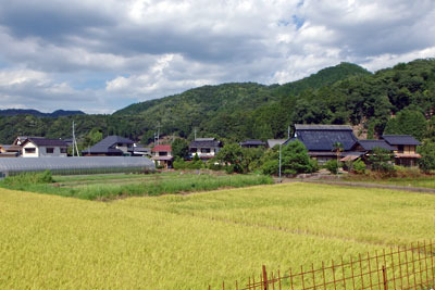 京都府北部・加佐地区の集落と田園