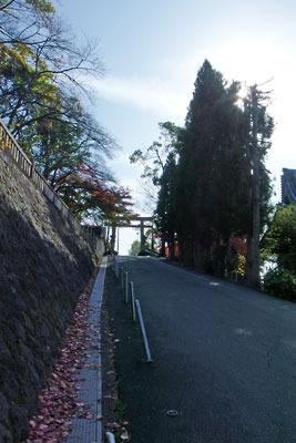 霊山護国神社付近の新道坂