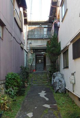 京都・六波羅地区の古いアパート