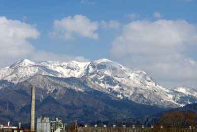 福井県勝山市北方に聳える大日山塊
