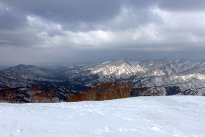 越前甲山頂からみた石川県小松へと続く広谷