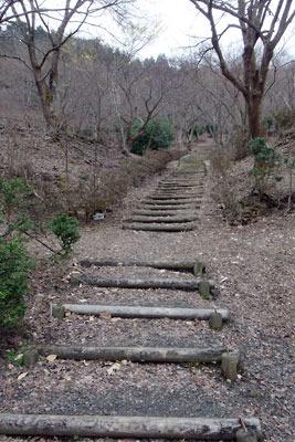 宝山山上への遊歩道
