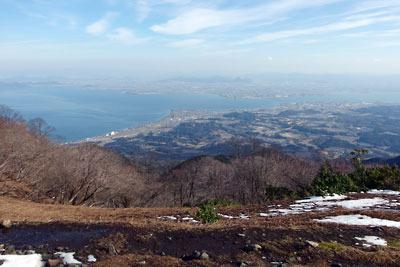 滋賀県比良山脈南部の権現山眼下の琵琶湖