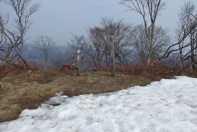 雪解け進む滋賀県西北・武奈ヶ嶽山頂