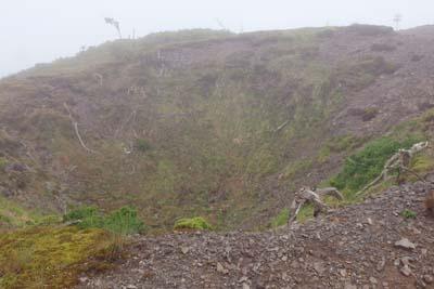 鈴鹿山脈の御池岳山塊・鈴北岳直下の石灰窪地「ドリーネ」