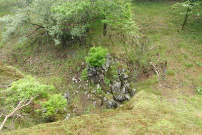 滝組みの様な岩がある御池岳のウバーレ