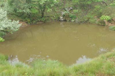 雨で濁る御池岳の真ノ池