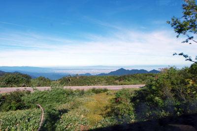 立山高原バスの車窓から見た、弥陀ヶ原