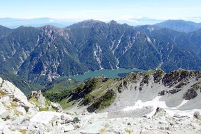 大汝山山頂から見た黒部ダム(黒部峡谷奥地)