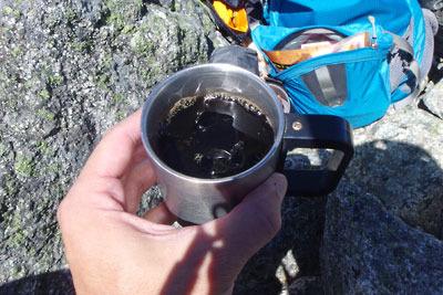 立山大汝山山頂で頂いた、同行氏持参のクリスタルアイス入りアイスコーヒー