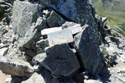 富士ノ折立頂部の標識