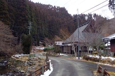 2月初めながら雪が少ない芹生集落