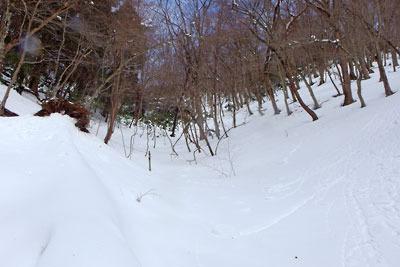 雲取山山頂直下の急登雪原