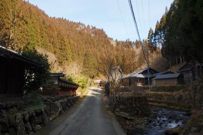 雪が失せた3月初旬の京都市北部の芹生集落