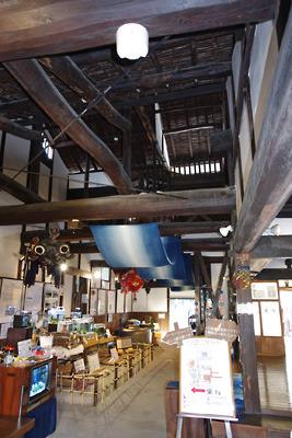 太り梁組みに古式が窺われる奈良・大和郡山最古の町家・旧紺屋奥野家箱本館