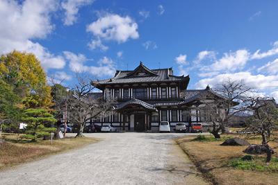 大和郡山城の玄武郭跡に移築された旧奈良県立図書館