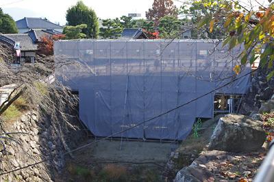 再建工事中の大和郡山城の極楽橋