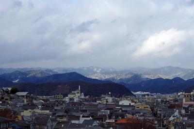 令和2年大晦日に見た京都北山方面の雪や吹雪を見る