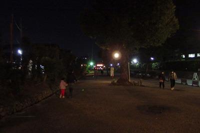 コロナ騒動で節分祭の露店が消えた、吉田神社本殿地区石段下の表参道