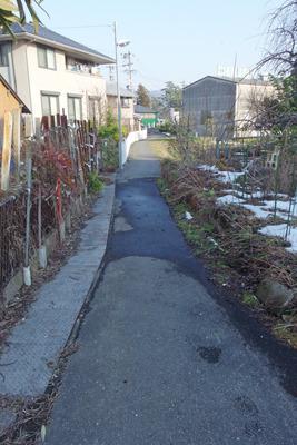 関ヶ原小関集落東隣りの小池集落外れの推定脇往還道址