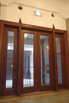 京都市美術館(京セラ美術館)の旧北玄関木製内戸